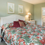 King bed in guest room #1