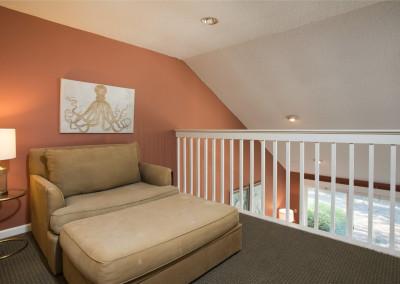 Loft area with twin sleeper sofa